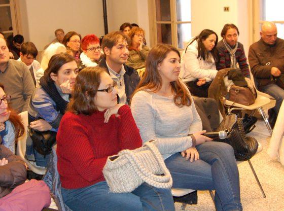 L'immagine mostra un gruppo di partecipanti ad un evento tenutosi presso vEyes Land