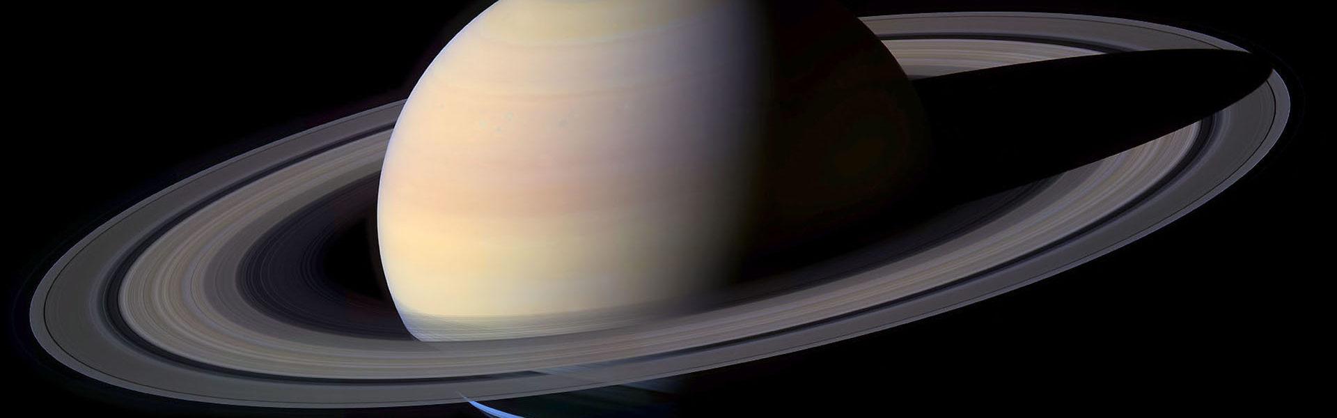 L'immagine raffigura il pianeta Saturno